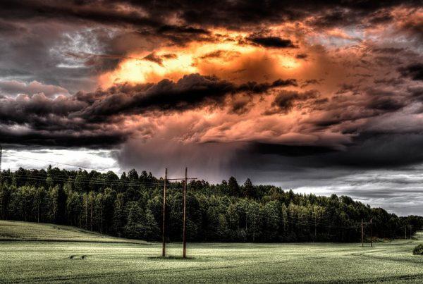 váratlan káresemény vihar